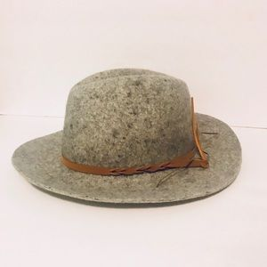 Women's Felt Grey Wide Brim Fedora